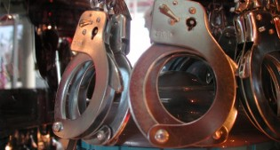 Handcuffs650